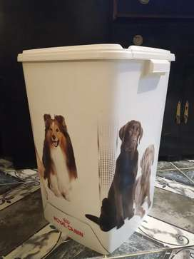 Contenedor Royal Canin