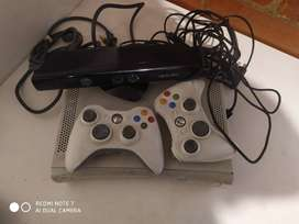Se vende Xbox 360 con kinet
