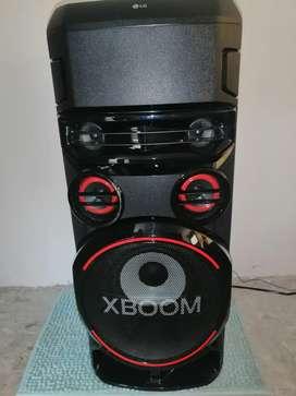 Torre de sonido todo en uno lg xboom RN7
