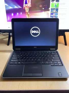 """Dell latitude E7240 core i7 de 4th gen 8gb ram 256gb sólido Pantalla 12.5"""" teclado iluminado ultra delgado y liviano"""