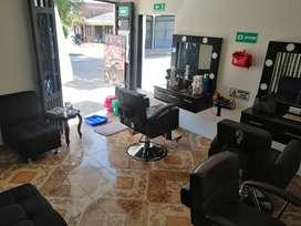 Se solicita estilista y barbero