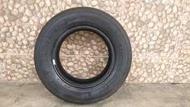 Vendo esta rueda 185/70r13