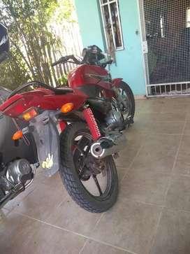 Vendo en Pirane Yamaha ybr año 2015