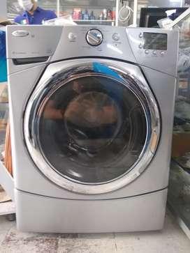 Promoción lavadora carga frontal Whirlpool 1 año de garantía