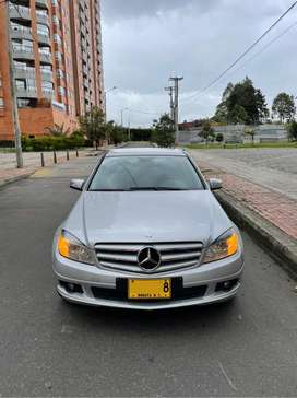 Vendo Mercedes Benz 1.8 turbo, perfecto estado poco kilometraje