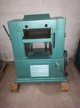 CEPILLADORA DE FUNDICIÓN 32 CM ø máquinas de carpintería fábrica de muebles regruesadora