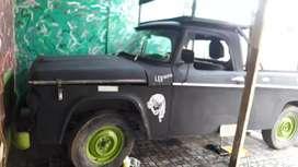 Camioneta mudanzeras. Dodge