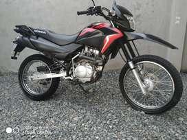 HONDA XR 150 SEMINUEVA