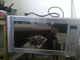 Horno microondas semiindustrial