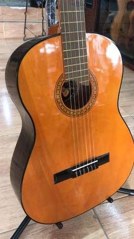 Guitarra Héctor cruz
