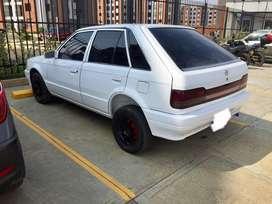 Mazda 323 HS modelo 1992