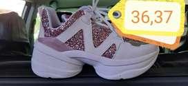 liquidacion de zapatillas  precios de locura
