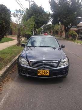 Mercedes Benz C 180 Kmpresor Excelente estado 2do dueño nunca chocado papeles al dia listo para traspaso Recibo menor v