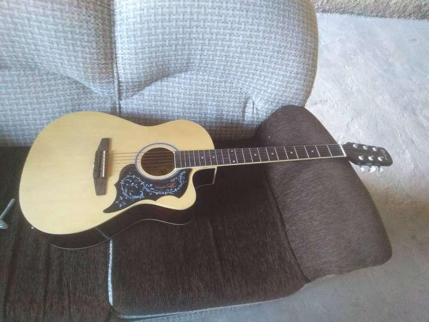 Venta de guitarra y amplificador 0