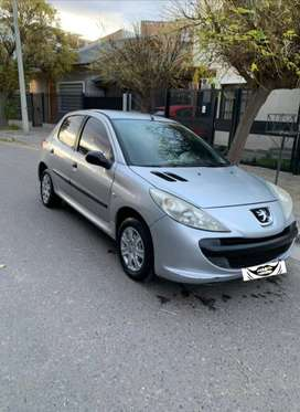 Vendo O Permuto peugeot 207 compact xr 1.4 modelo 2010