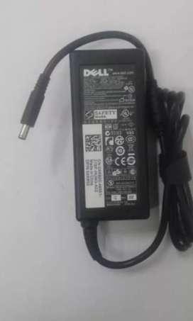 Vendo cargador Dell punta fina moderna 19.5v 3.3a