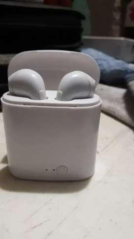 Vendo auriculares inalámbricos(ipods)$900
