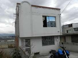 VENDO  Casa en conjunto privado. Norte Quito - Carapungo