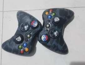 Xbox 360 Slim gangaso viene con controles + disco duro y juegos