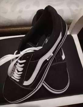 Se venden económicos zapatos vans negros