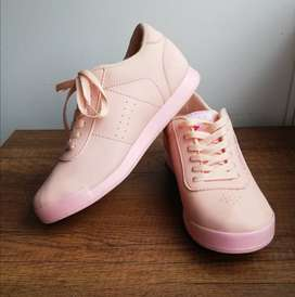 zapatos tenis nuevos