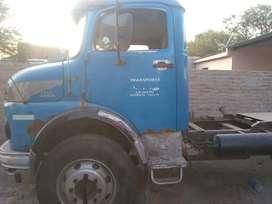 Vendo mercedes benz tractor con semi o con carroceria