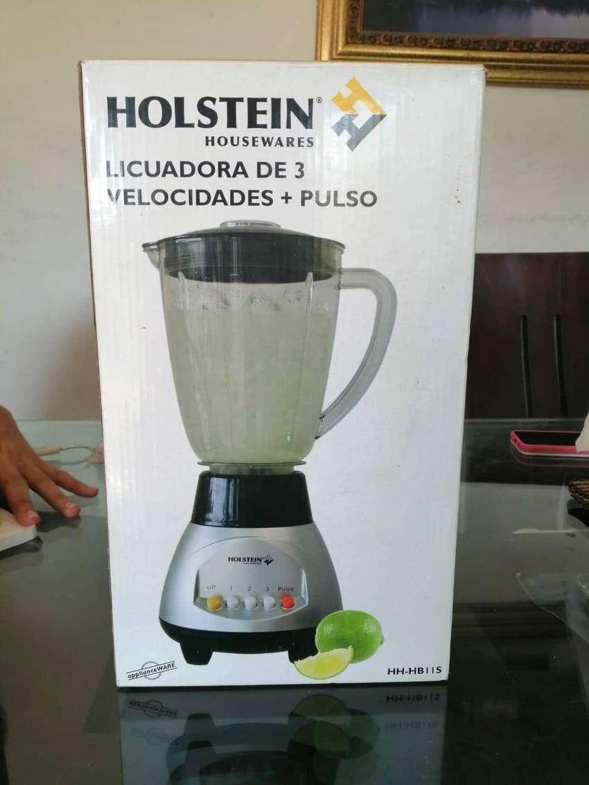se vende licuadora holstein 0