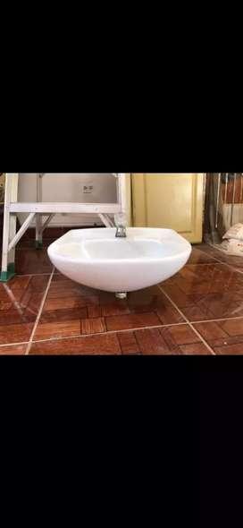 Se vende lavamanos corona