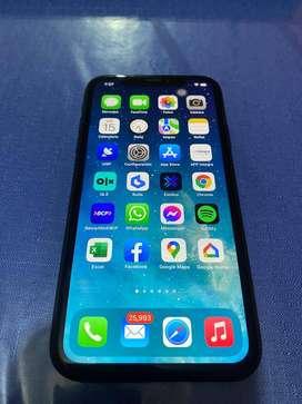 Vendo Iphone XR de 64 gb, bien conservado, con cargador y carcasa de regalo