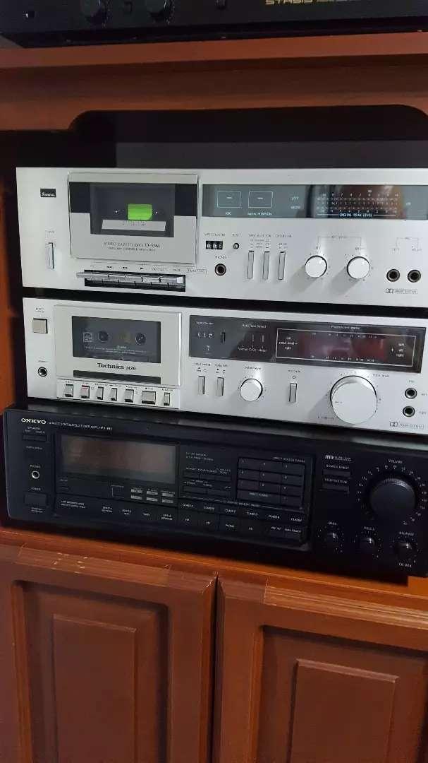 Vendo en excelente estado: amplificador onkio, decks technics y sansui y tuner pioneer y technics 0
