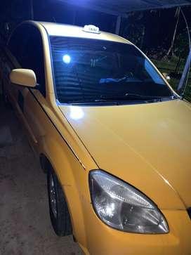 Taxi modelo 2012 con radio