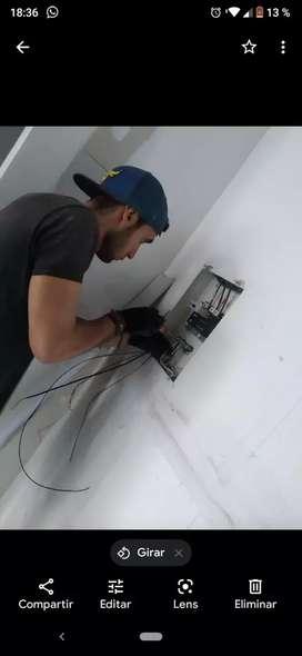 Tecnico electricista y Tecnólogo SST
