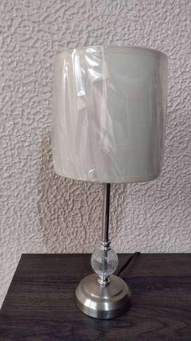 Lámpara de mesa como nueva