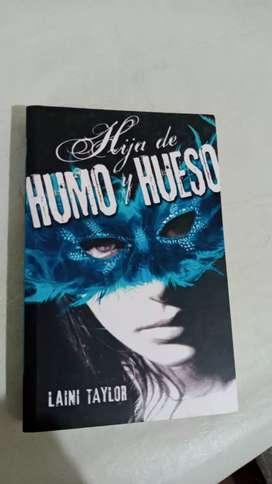 """""""Hija de Humo y Hueso"""" $700"""