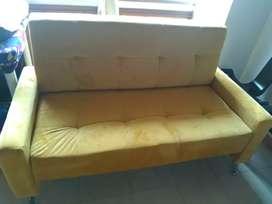 URGENTE sofa pequeño en perfecto estado