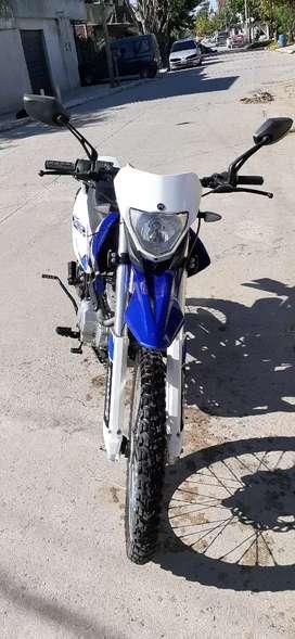 Skua 250 casi nueva full con alarma permuto x auto o moto cg