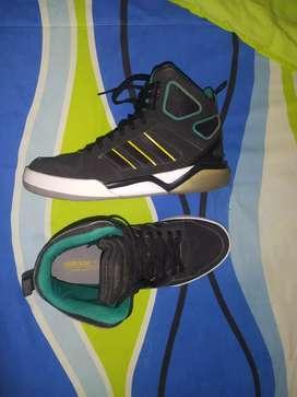 Vendo zapatillas de básquet Adidas basket