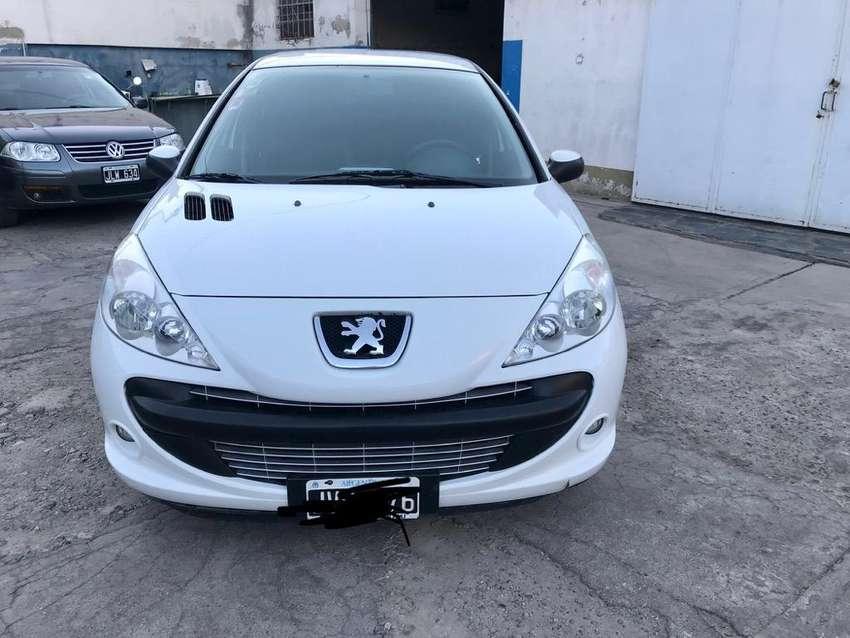 Peugeot207 El Mas Full gnc5ta permuto 0