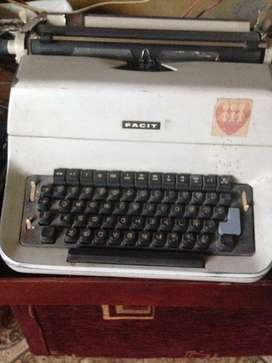 Se vende máquina Facit antigua