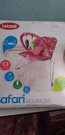 Cunita mesedora o silla mesedora de bebe nueva