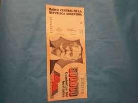 Billetes australes de 10 mil pesos argentino y de 500 mil pesos, del año 1991.