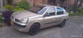 Vendo Renault símbol excelente esta papeles al día listo para traspaso