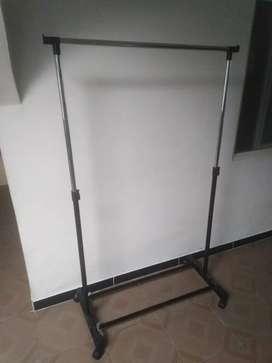 Exhidor de ropa/alto 150