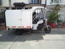 Se vende Motocarguero marca AKT