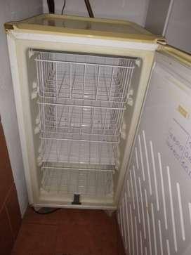 Freezer bajo mesada