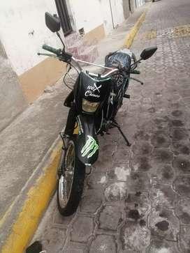 Moto shineray 200cc en buen estado  año 2012 documentos al dia
