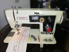Maquina de coser Brother en buen estado