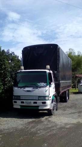 Camion Hino Mod 99