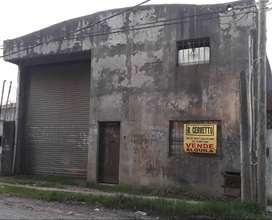 Moreno a mts Av Monsegur Galpon Industrial 200 m2 c/oficinas y baño