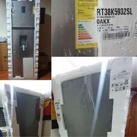 Nevera Samsung 384lts Rt38k5932sl Silver . Está completamente nueva sin desempacar . $1.950.000